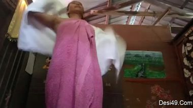 Indian aunty can't resist masturbating pussy after she takes a shower