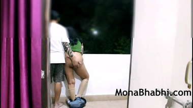 Big Ass Desi Indian MILF Aunty In Hotel Balcony Giving Blowjob With Hindi Audio