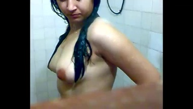 Milky Babe In Shower - Movies.
