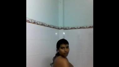 Ahmedabad Girl Shower Selfie - Movies. video2porn2